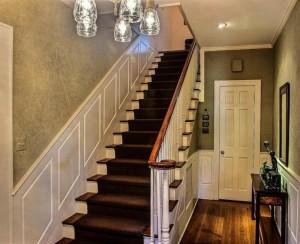 Красивая лестница частном доме