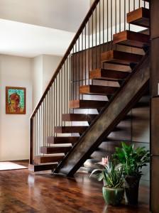 Лестница, металлический каркас, деревянные ступени